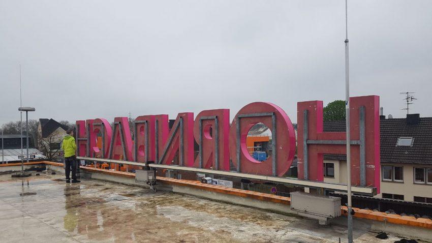 Leuchbuchstaben Dachmontage